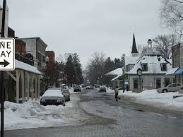 Main Street in Zionsville is covered in snow. It was a cold, gray day and no one wanted to be outside. Photo from Pinterest. https://www.pinterest.com/pin/497014508846736403/